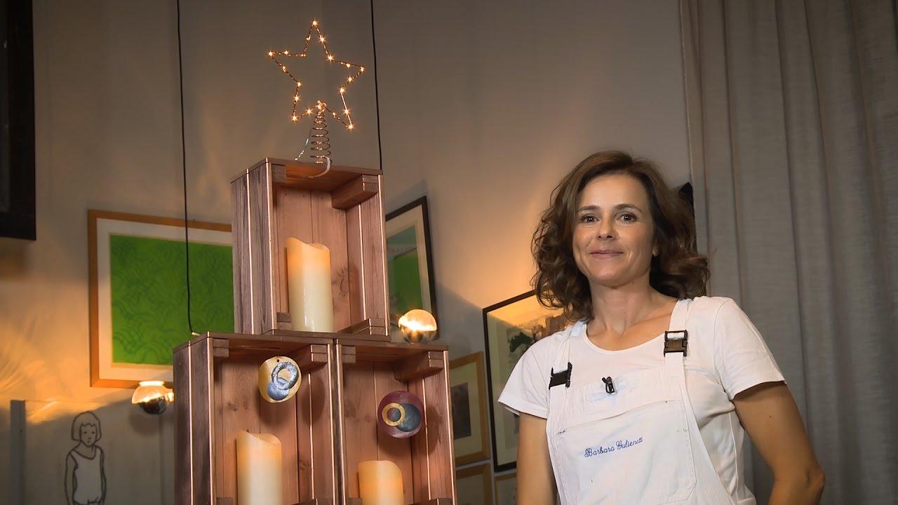 Decorazioni In Legno Per Albero Di Natale : Albero di natale fai da te con cassette di legno e candele a led