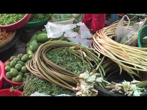 Cambodian Street Food - Walk Around Market Food In Phnom Penh - Asian Market Food Video