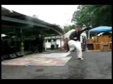 Riley Rudd performs Snake style Yee Chuan Tao