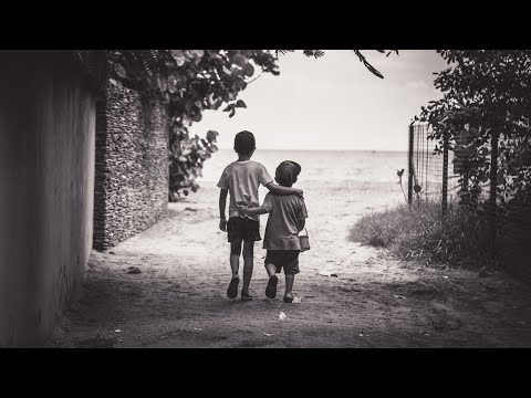 מה לעשות כשילד מבקש כל הזמן את מה שיש לאחיו?