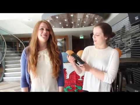 Croeso i Gymru: Welcome to Wales