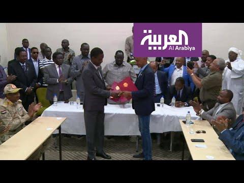 الحكومة السودانية و-مسار الشمال- يوقعان الاتفاق النهائي للسلام  - نشر قبل 4 ساعة