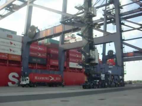 Descarga de contenedores de buques en la megaterminal youtube - Contenedores de barco ...