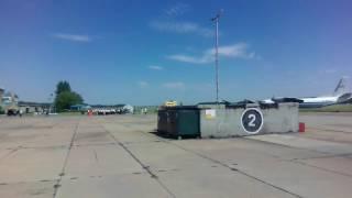Военный Аэродром Омск-Северный. На сцене гв.майор ВВС Кокотчикова Михаил Юрьевич