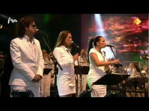 Clarence Bekker ft. Tara McDonald performing 'What's Up/Don't Worry' @ Girls First Concert Amsterdam