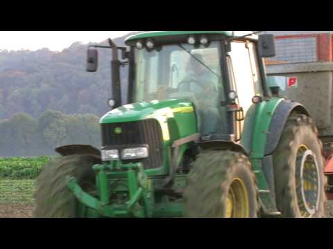 Arrachage des betteraves avec John Deere et New Holland