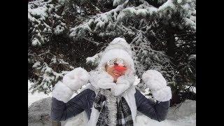 Лорик Снеговик на празднике | Доброе Новогоднее видео