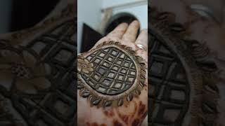 Amazing and Very Simple Mandala Henna