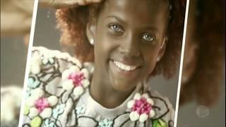 Com deficiência, menina dos olhos cor de safira ganha uma esperança