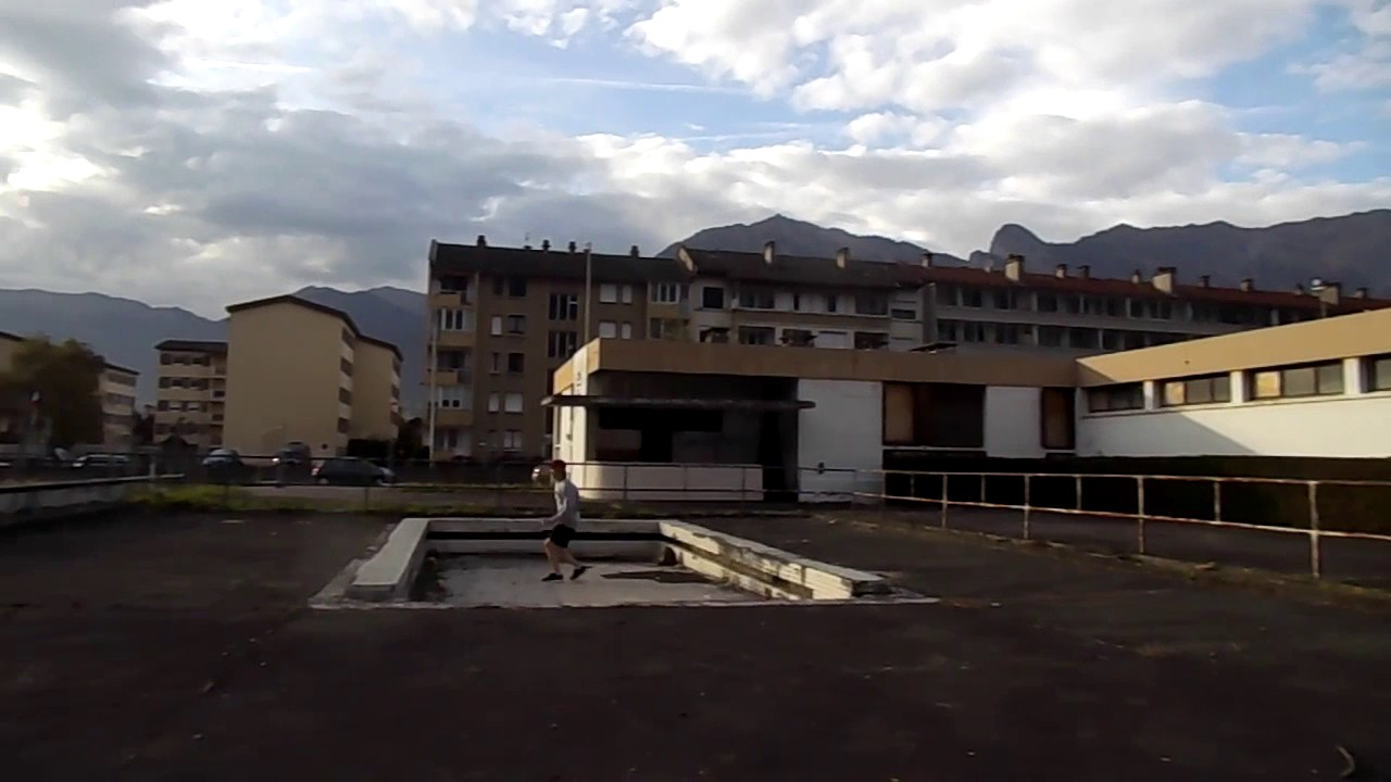Ds64 piscine abandonn e youtube for Piscine albertville