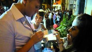 """Alex Reale firma gli autografi hai fans """"e troppu beddu"""""""