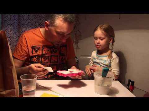 Ролик Детские поделки своими руками. Как сделать игрушку из гипса