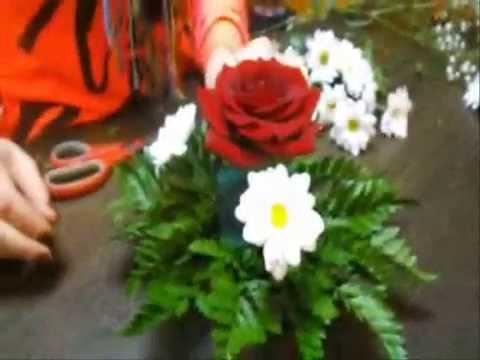 Dạy cắm hoa cưới để bàn.