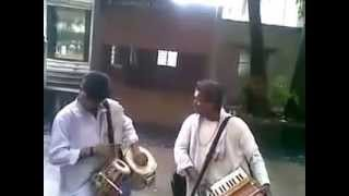 Pune street musicians performing great Indian Classical! Kudos!!