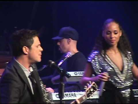 ALICIA KEYS & ALEJANDRO SANZ - Looking for Paradise (Live in Madrid)