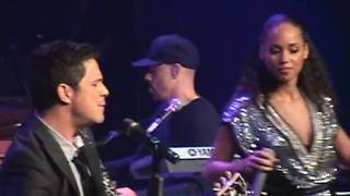Baixar - Alicia Keys Alejandro Sanz Looking For Paradise Live In Madrid Grátis