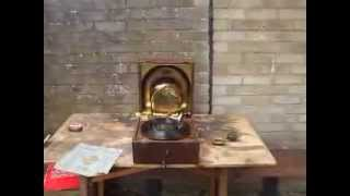 Testing the Decca 88 Portable Gramophone with the Telesmatic, HMV no 4 & Meltrope 111Soundboxes