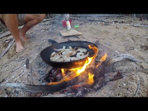 GARLIC PRAWNS! ON a FIRE Clean & Cook