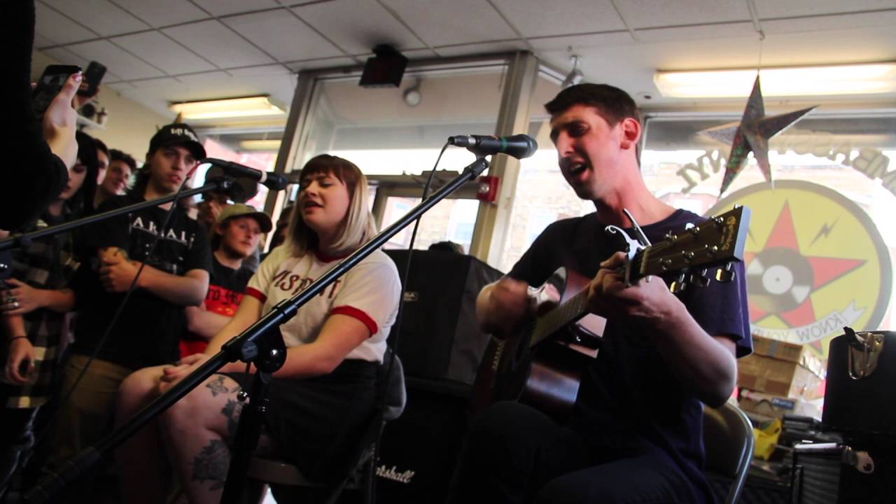 tigers-jaw-chemicals-acoustic-feet-first-productions-1508271121