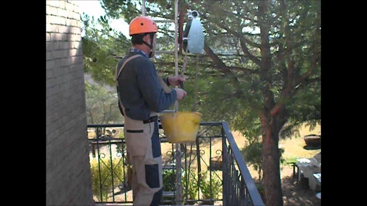Video sollevamento su terrazza con ringhiera vista dall for Montacarichi per legna