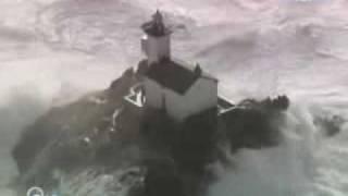 Deniz Feneri, Deniz ve Dalgalar...