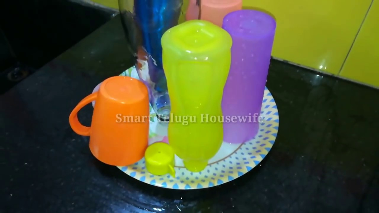 how to clean water bottles how to clean tupperware bottles tips to clean water bottles. Black Bedroom Furniture Sets. Home Design Ideas