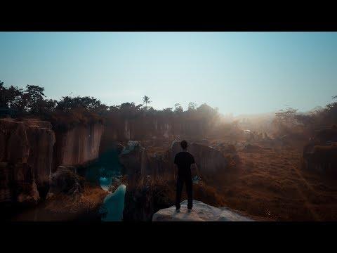 Drone Cinematic video DJI Phantom 4 - on tebing Koja/kandang Gozila