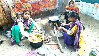 VILLAGE GIRLS COOKING FOOD 💜Village Life of Punjab/India💜Rural life of Punjab/India/Indian culture