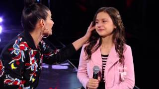 Natalia Jiménez rompe en llanto con Alyssa | La Voz Kids 2016