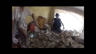УЖАСЫ ВОЙНЫ. Николаевка, Славянск. Разрушенный дом и бабушка под завалами 03 июля 2014 года