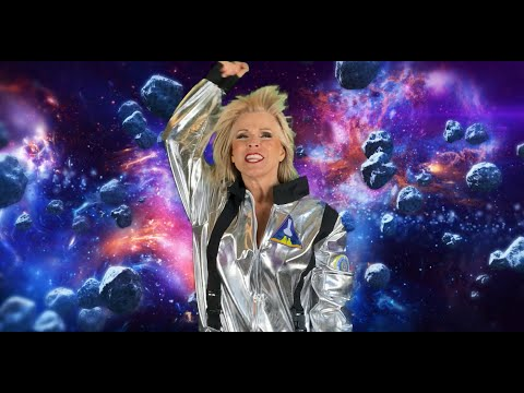 "Toyah - Space Dance (from 2021 studio album ""Posh Pop"" out 27 Aug)"