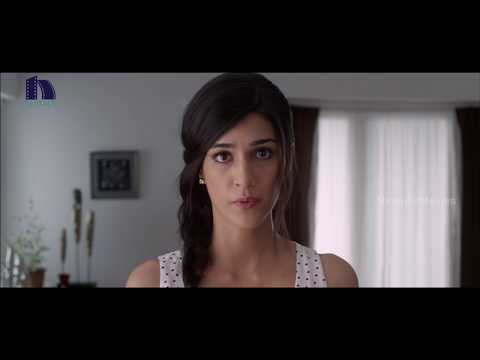 Kriti Sanon Deep Lip Lock : Mahesh Babu And Kriti Sanon Romantic Kissing Scene - 1 Nenokkadine