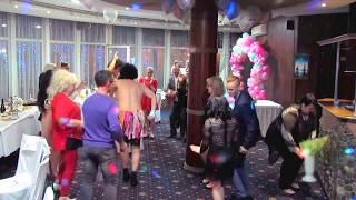 Африканское самбо от гостей и танец зятя и тещи на свадьбе 2018 Запорожье, тамада-ведущая Мария