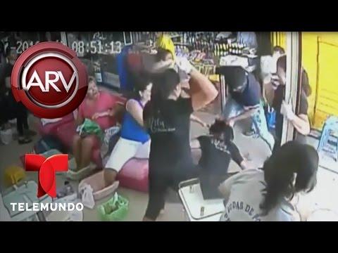 Hombre agarra a golpes a su ex pareja en una peluquer�a   Al Rojo Vivo   Telemundo
