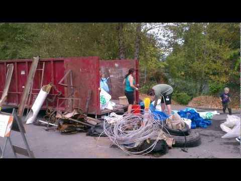 LO Tigard Water Partnership Sponsors Clackamas River Cleanup 9/09/12