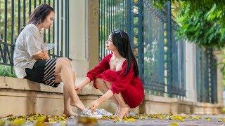Nữ Chủ Tịch Tặng Giày Cho Cô Gái Nghèo, Tình Cờ Giúp Tỷ Phú Tìm Được Em Thất Lạc 10 Năm Trước thumbnail