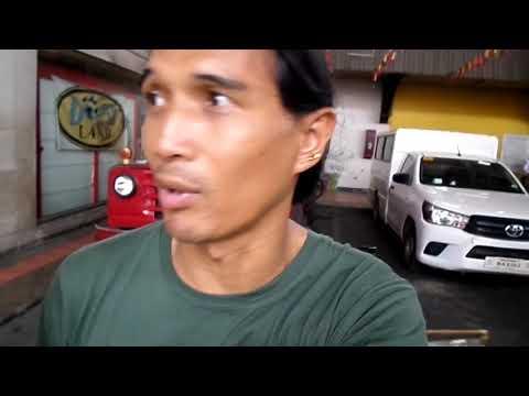 Cartimar pet store in Manila, Philippines