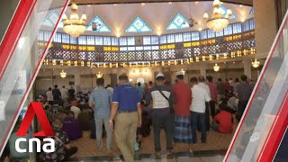 Malaysia Proceeds With Friday Prayers At Mosques Amid Covid-19 Outbreak