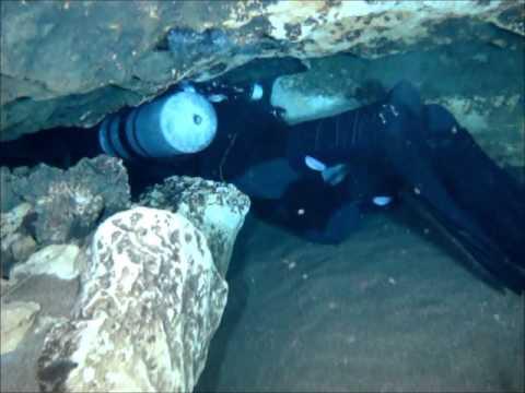 Sidemount Diving Jug Springs.wmv