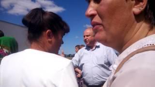 Дочекались адміністрацію з Жашкова.. сам Бойко з адміністрації приїхав до людей