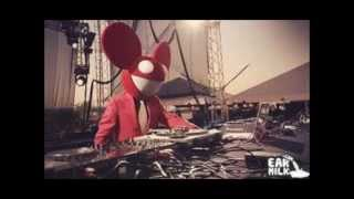 Repeat youtube video Deadmau5 vs. Skrillex (Dubstep Battle)