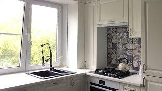 Кухня в хрущевке 5 метров с колонкой. Дизайн кухни с окном