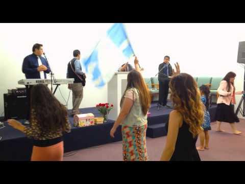 Unidos Con Vision: Ministrando en la Iglesia El Shaddai