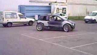 Twingo V8 premiers tours de roue