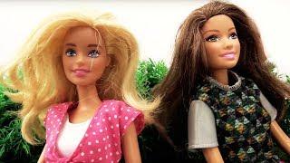 Куклы Барби устроили пикник. Видео для девочек