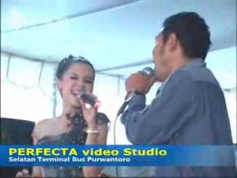 Gala Gala - Brodin feat Dwi Ratna - Arum Ndalu Live Bulukerto