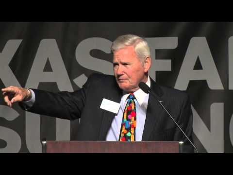 Texas Sports Hall of Fame: Fred Akers induction speech [Feb. 2, 2016]