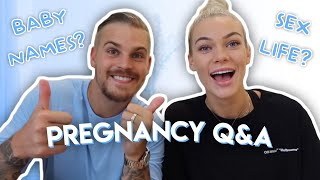 PREGNANCY Q&A ON BĄBY NAMES, SEX LIFE + MORE
