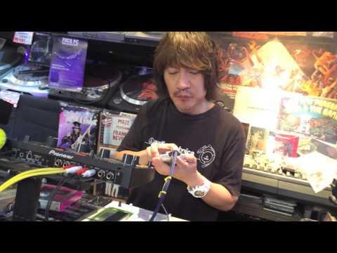 Live Jam with Kaossilator - master at work!
