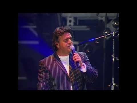 Carmelo Zappulla in concerto al Teatro Palapartenope di Napoli